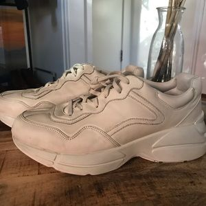 Gucci Rhyton leather sneaker, size 10 men's
